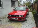 BMW E30 318 is autó